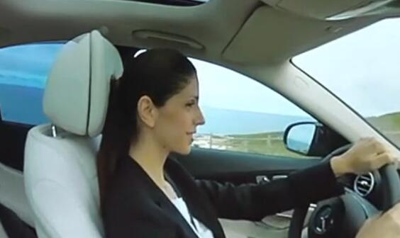跟美女驾驶豪车环游里斯本